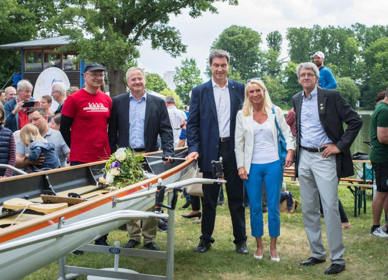 Familie Baumuller Ubergibt Neues Boot Fur Den Jugendbereich Des Rudervereins Nurnberg